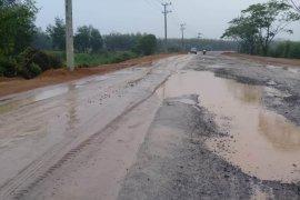 Jalan lima kecamatan Berau rusak parah
