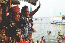 Tradisi 'Mandui Safar'  meriah ditengah  kekhawatiran serangan buaya