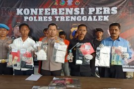 East Java's police seize 15,334 diazepam tablets