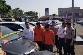 Kasus penggelapan mobil diungkap polisi, dua tersangka diamankan