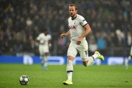 Penyerang Tottenham  Harry Kane bisa main sejak awal lawan MU, kata Mourinho