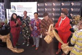 Koleksi busana Indonesia menarik minat masyarakat Afrika