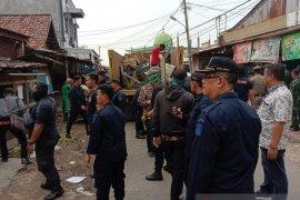 Pemkot Jambi kembalikan fungsi jalan yang termakan pasar Simpang Pulai
