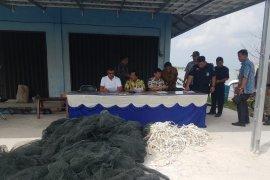 DKP Babel berhasil amankan jaring kongsi di perairan Belitung
