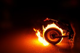 Sepeda motor milik seorang wanita terbakar di SPBU Pontianak Timur
