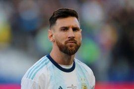 Messi tidak mau tukar trofi bersama Barca untuk Piala Dunia