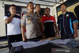 Dana rehabilitasi gempa Rp500 juta digelapkan bendahara pokmas RTG