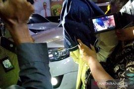 Polda Jatim ungkap kasus pelacuran diduga libatkan publik figur (Video)
