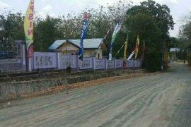 Jalan Sepanjang 15 Kilometer di Laburan Baru Diperbaiki