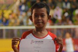 Bocah dengan nama satu huruf ingin ikuti jejak Kevin Sanjaya