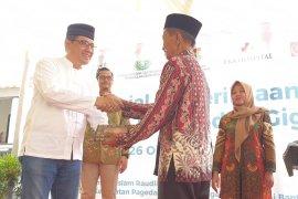 Ratusan warga antusias ikuti pengobatan gratis Sinar Mas Land
