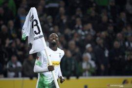 Hasil Liga Jerman: Glacbach rebut kembali pucuk klasemen dari Bayern