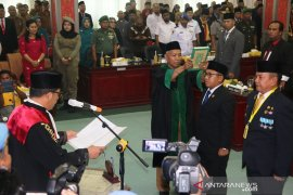 Akhmad Syukri dan Jamil Zeb Tumori dilantik sebagai pimpinan DPRD Sibolga