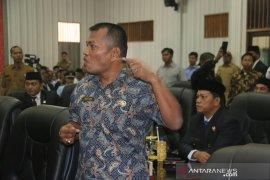 Pelantikan pimpinan DPRD Sibolga diwarnai insiden