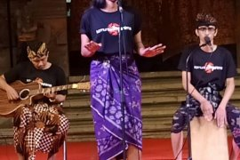 "FSBJ, Komunitas Mahima Singaraja bawakan musikalisasi puisi ""alam-manusia-spiritual"""