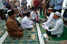 Seorang warga nias masuk Islam di Aceh Jaya