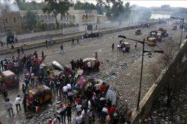 Rugi miliaran dolar, PM Irak desak aksi protes dihentikan