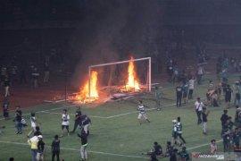 Dispora Surabaya inventarisasi kerusakan Stadion GBT pascakerusuhan suporter