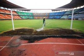 Pengelola klaim perbaikan kerusakan Stadion GBT Surabaya segera selesai