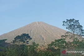 Sebelum dibuka BTNGR pastikan jalur pendakian Gunung Rinjani aman