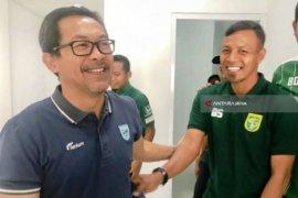 Persebaya tunjuk Aji Santoso sebagai pelatih kepala, gantikan Wolfgang Pikal