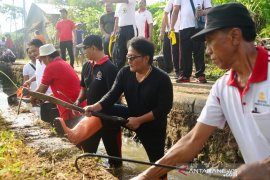"""""""Gertak Badung Bersih"""" sasar aliran sungai pedesaan di Mengwi-Badung"""