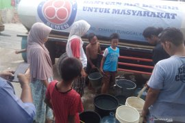 Indocement salurkan bantuan 2,2 juta liter air bersih selama kemarau 2019