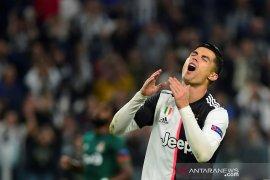 Ibu Cristiano Ronaldo klaim putranya jadi korban mafia sepak  bola