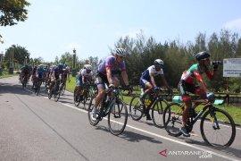 Peserta Tour de Singkarak mulai persaingan dari titik start di Pariaman