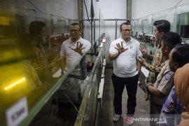 Menteri KKP Kunjungi Budidaya Ikan Hias