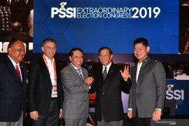Cucu Somantri-Iwan Budianto jabat wakil ketua umum PSSI