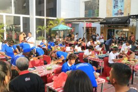 "Pengunjung ""DTIK Festival"" Denpasar cicipi sajian aneka kuliner"