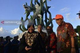 Pengurus RT/RW-LPMK Surabaya puji gaya kerja Risma-Eri