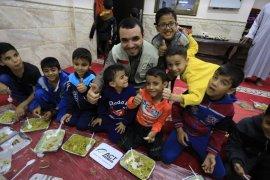 GHR-ACT salurkan makanan siap santap bagi para pengungsi Palestina