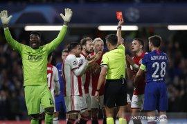 8 gol dan 2 kartu merah hujani laga Chelsea vs Ajax