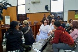 Jaksa belum siap,  sidang tuntutan Nunung ditunda