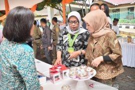 Ade Yasin bagikan 500 sertifikat tanah untuk pegiat UMKM di Bogor