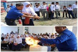 Pelajar kunjungi Damkar Satpol PP Tebing Tinggi