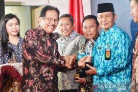 Menteri Sofyan Djalil beri Kabupaten Bogor penghargaan Penertib terbaik