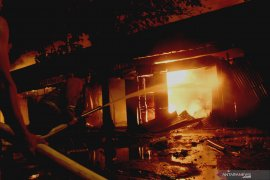 Kebakaran Pasar Ngunut Tulungagung hanguskan 70 persen kios (Video)