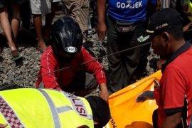 Seorang pedagang tewas tertabrak kereta di Blitar