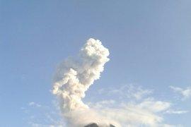 Gunung Merapi kembali keluarkan awan panas letusan setinggi 1.500 meter