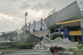 DPRD tinjau Sport Jabar Arcamanik yang atap stadionnya ambruk