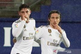 Real Madrid hajar Eibar, menuju puncak klasemen