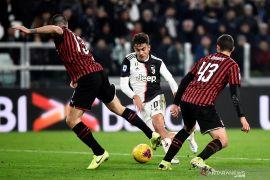 """Juventus mengambil kembali pucuk klasemen yang sempat """"dipinjam"""" Inter Milan"""