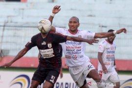 Bali United pertahankan dua pilar penting Leonard Tumpamahu dan Gunawan Dwi Cahyo