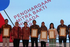 Pemkab Bangka Tengah terima penghargaan Mitra Bakti Husada dari Kemenkes RI