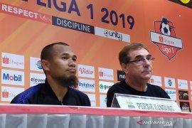 Pelatih Persib Robert Alberts apresiasi enam laga tak terkalahkan usai bungkam Arema