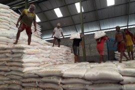 Distributor di Situbondo bantah paksa kios jual pupuk nonsubsidi kepada petani
