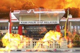 Seorang pengguna atribut ojol ledakkan diri di Polrestabes Medan